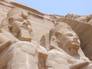 King-Ramses-II-and-Queen-Nefertari-600x450